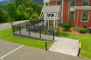 aluminum-railings-ramp
